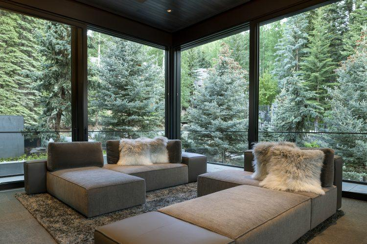 Living area at 463 Beaver Dam Road in Vail