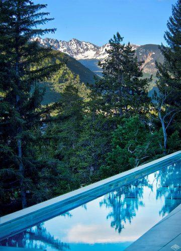 165 Forest Road on Vail Mountain: pool and mountain views