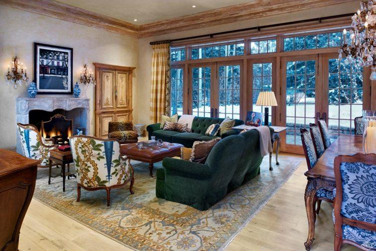 living area at 362 Mill Creek Circle in Vail